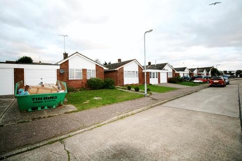 2 bedroom detached bungalow for sale - Planton Way, Brightlingsea