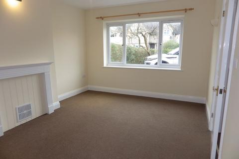 2 bedroom maisonette to rent - Bathurst Road