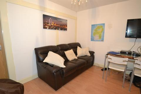2 bedroom flat to rent - Richmond House, Lawrence Street, York