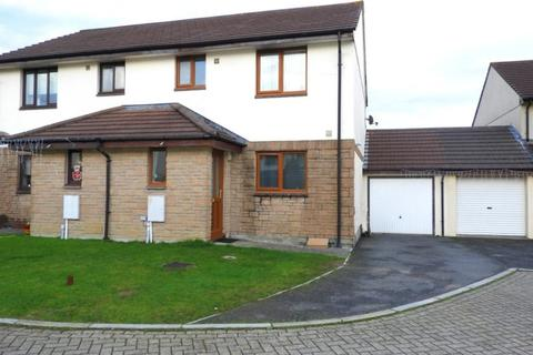 3 bedroom townhouse for sale - 12 MANATON CLOSE, HELSTON, TR13