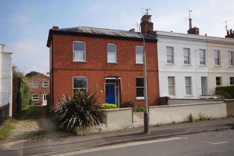 3 bedroom house to rent - Carlton Street GL52 6AQ