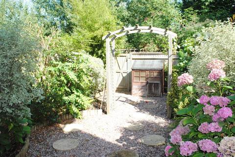2 bedroom terraced house to rent - Amberley Gardens, Wokingham