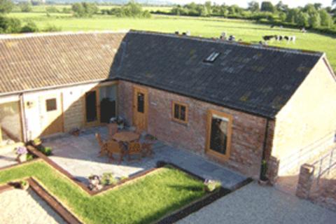 2 bedroom barn conversion to rent - Sandhurst, Gloucestershire
