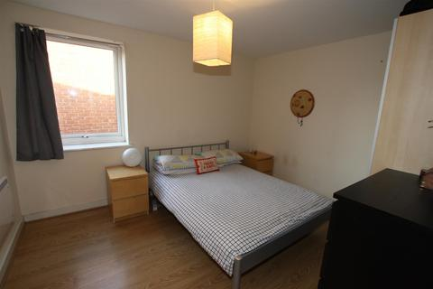 2 bedroom house to rent - 51 Central CourtMelville StreetSalford