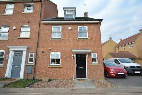 3 bedroom house to rent - Lyvelly Gardens, Parnwell, PE1 5RQ