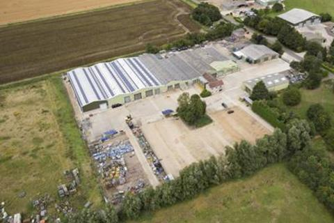 Industrial unit to rent - Middle Drove, Marshland St James, Wisbech, Cambridgeshire