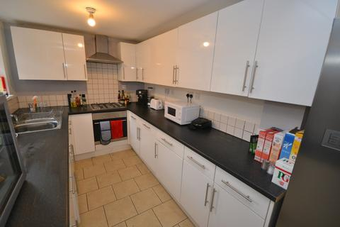 6 bedroom terraced house to rent - Students 2019/2020 - Johnson Road, Lenton