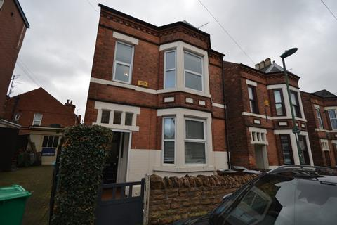 6 bedroom end of terrace house to rent - Students 2020/2021 - Dunlop Avenue, Lenton