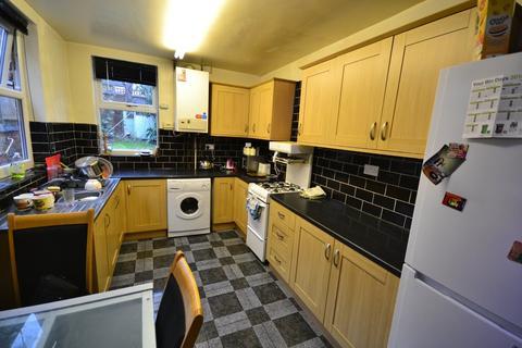 4 bedroom semi-detached house to rent - Students 2019/2020 - Leslie Road, Nottingham