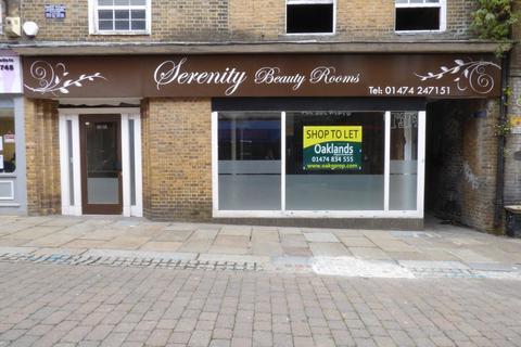 Retail property (high street) to rent - High Street, Gravesend, Kent