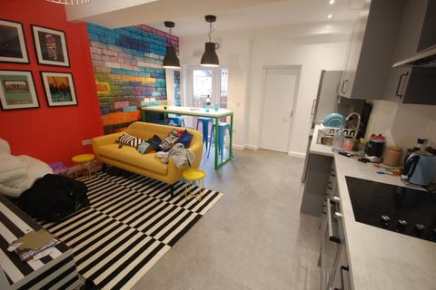6 bedroom terraced house to rent - Mitchell Street, Durham City