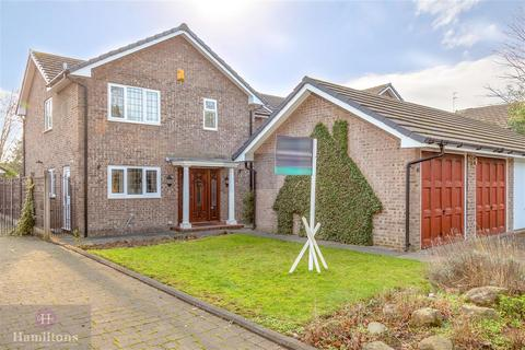 4 bedroom detached house for sale - Thorneycroft, Leigh