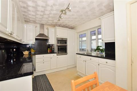 2 bedroom detached bungalow for sale - Drewery Drive, Wigmore, Gillingham, Kent