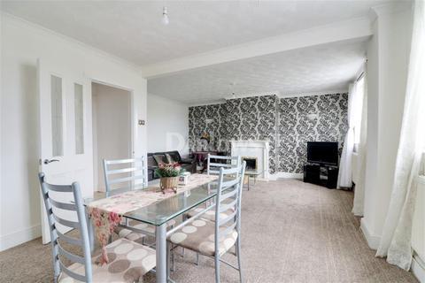 3 bedroom semi-detached house to rent - Llantarnam Road