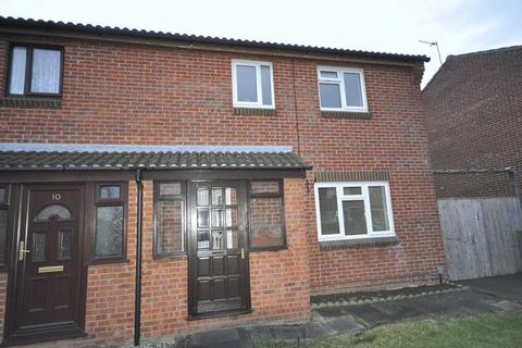 3 bedroom semi-detached house to rent - Gristmill Close, Cheltenham