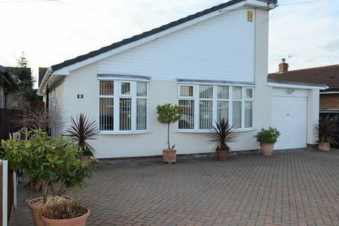 4 bedroom bungalow for sale - Welford Avenue, Lowton, WA3 2RN