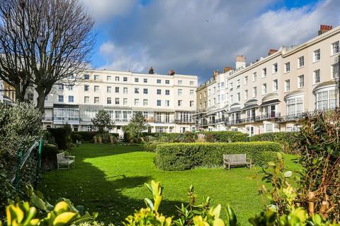 2 bedroom flat for sale - Marine Square, Brighton
