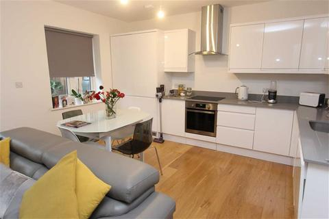 2 bedroom duplex to rent - Connaught Avenue, Chingford