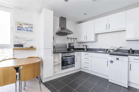 2 bedroom flat to rent - Coppermill Heights, Tottenham Hale, London