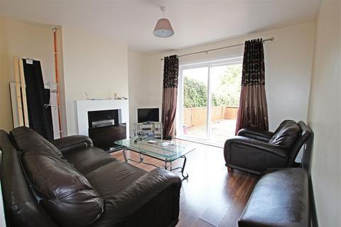 4 bedroom house to rent - London Road, Northampton