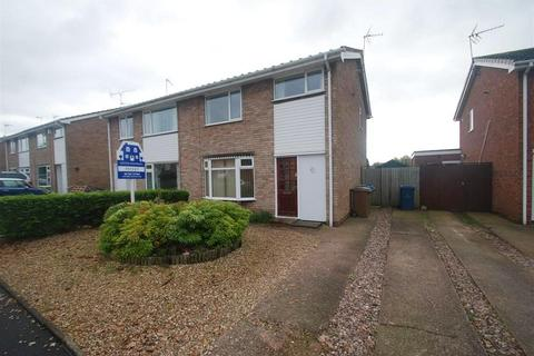 3 bedroom house to rent - Lindenbrook Vale, Wildwood, Stafford, ST17 4QN