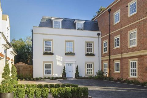 4 bedroom townhouse for sale - Bolingbroke Close, Hadley Wood, Hertfordshire
