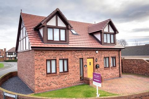 4 bedroom detached house for sale - Holywell Crescent, Kinmel Bay