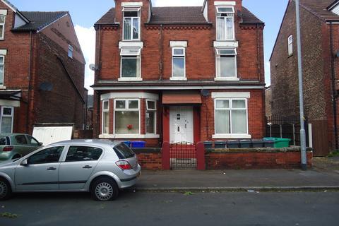 Studio to rent - Bellott Street, Cheetham Hill