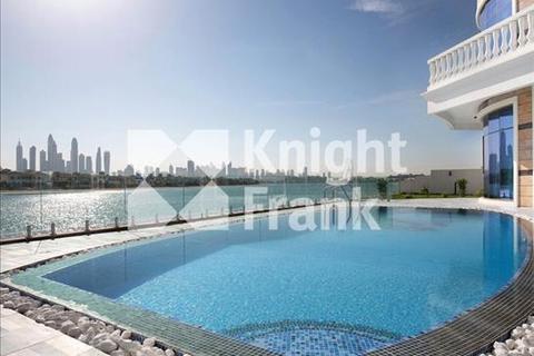 7 bedroom villa  - Frond N, Palm Jumeirah, Dubai, UAE