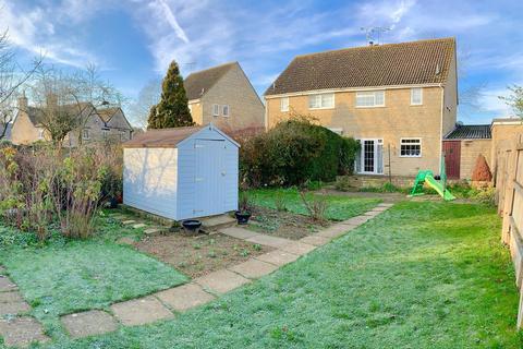 3 bedroom semi-detached house for sale - Cranhams Lane, Cirencester