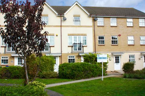 4 bedroom townhouse for sale - Harper Close, Chafford Hundred, Grays RM16