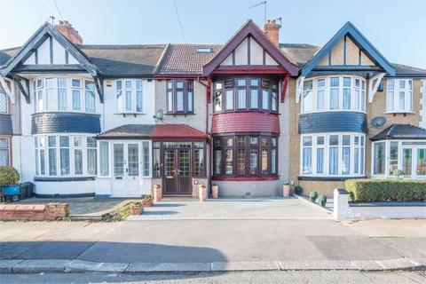 4 bedroom terraced house for sale - Capel Gardens, Ilford, Essex