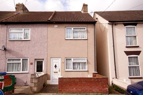 3 bedroom house to rent - Cowper Road, Sittingbourne