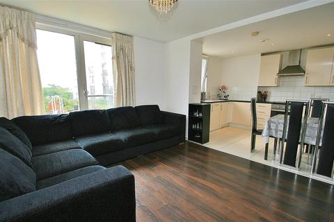 2 bedroom apartment to rent - Station Location