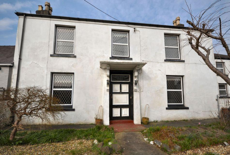 5 Bedrooms Terraced House for sale in Barnabas House, Old St.clears Road, Johnstown, Carmarthenshire