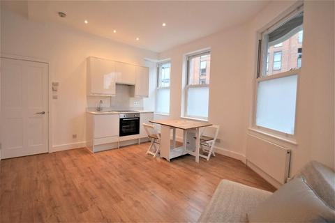 1 bedroom flat to rent - Dinsmore Road, Balham, London, SW12 9RT