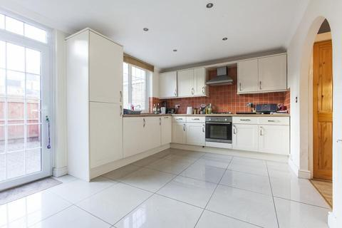 3 bedroom terraced house to rent - Tarbert Walk, London E1
