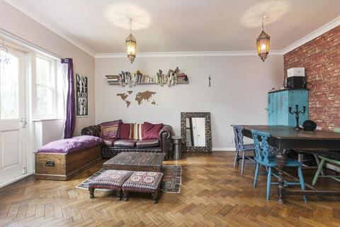 1 bedroom flat to rent - Cavell Street, London E1