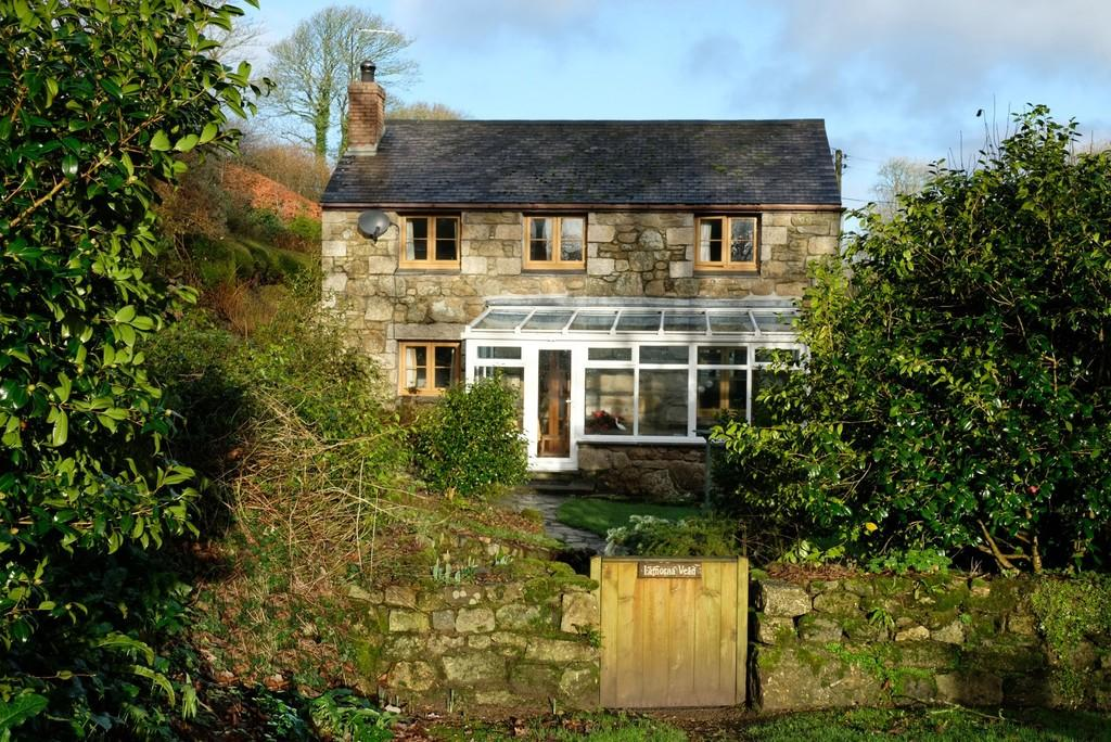 3 Bedrooms Detached Bungalow for sale in Lamorna, Penzance