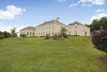 9 Bedrooms Manor House Character Property