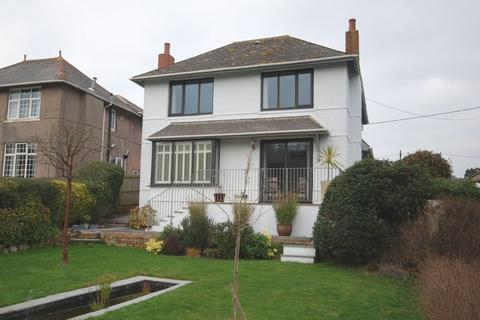 4 bedroom detached house for sale - Hooe Road, Hooe, Plymouth. A simply gorgeous 4 bedroomed detached family home with fabulous garden, DOUBLE  GARAGE