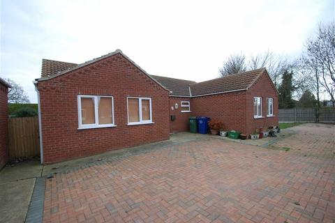 4 bedroom detached bungalow for sale - Mel Marshall Way, Wrangle, Boston