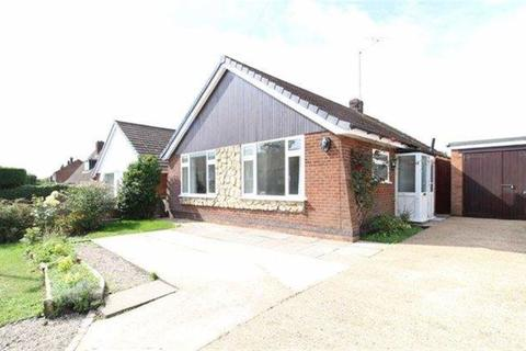 3 bedroom bungalow to rent - Yewdale Crescent, Potters Green, Coventry, CV2 2FF