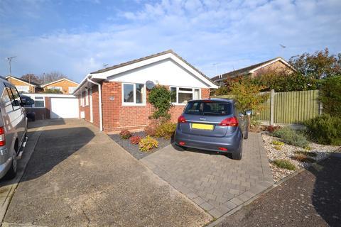 2 bedroom bungalow for sale - Poplar Grove, Burnham-on-Crouch