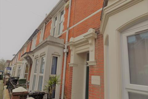 5 bedroom terraced house to rent - *NO STUDENT FEES 2019* Telephone Road, Southsea