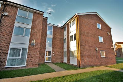 2 bedroom ground floor flat to rent - Lupin Drive, Chelmsford