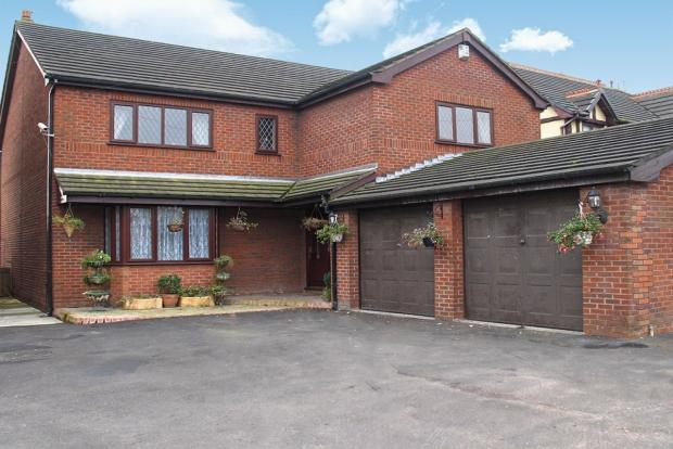5 Bedrooms Detached House for sale in Bolton Road Ashton In Makerfield Wigan