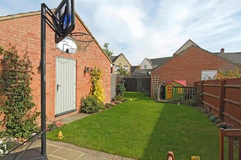 3 bedroom house for sale - Mallards Way, New Langford, Bicester, OX26