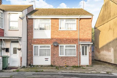 2 bedroom flat for sale - Town Centre, Aylesbury, HP20