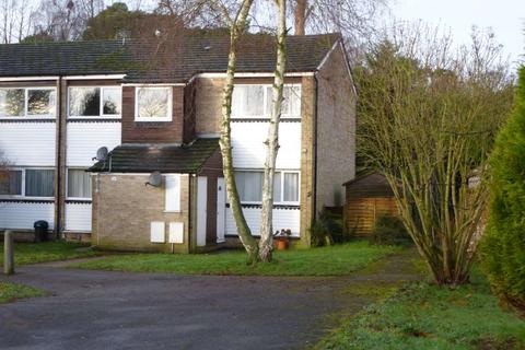 2 bedroom flat to rent - Larch Drive, Woodley